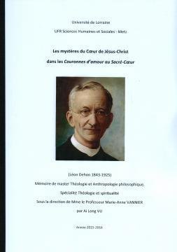 Le Fr. Ai Long Vu relit les Couronnes d'amour au Sacré-Cœur