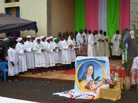 Célébration du cinquantenaire de la paroisse Sainte Thérèse de l'Enfant Jésus de Bankouop