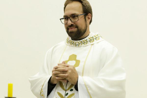 Nouveau prêtre: P. Tiago Júnior Branco