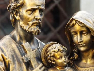 Familia: real y santa